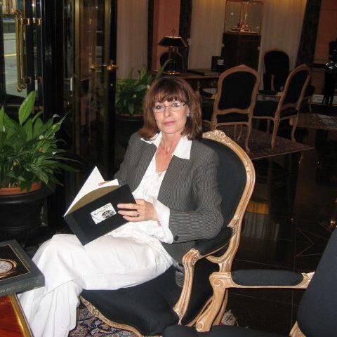 Jacqueline Genova Psychotherapist MA