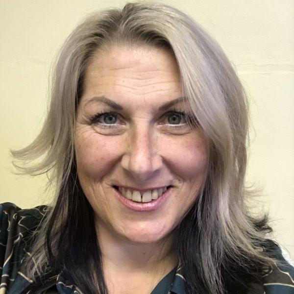 Debbie Lavinchi