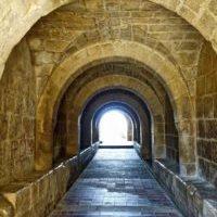 corridor_stone_tunnel_arches_perspective_passage_entrance_architecture-656255d_